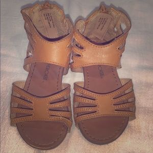 Girls size 6 tan Cherokee gladiator sandals